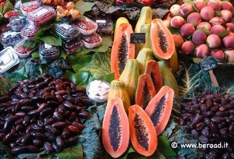 Barcellona mangiare al mercat de la boqueria - Il mercato della piastrella moncalieri orari ...