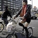I giovani giapponesi preferiscono la bici