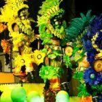 Il Carnevale di Rio tra samba e sexy ballerine