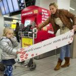 Welcome Home: striscioni express per i propri cari all'aeroporto di Amsterdam