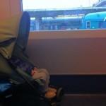 Viaggio in treno con bambini piccoli, ecco come sopravvivere
