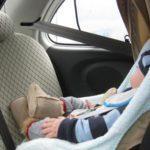 Noleggio auto: il costo troppo alto dei seggiolini per bambini