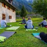 Le Dolomiti Friulane tra trekking, yoga e... frico!