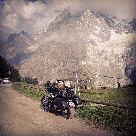 route des grandes alpes in moto