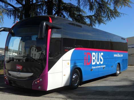 in francia con l'autobus idbus