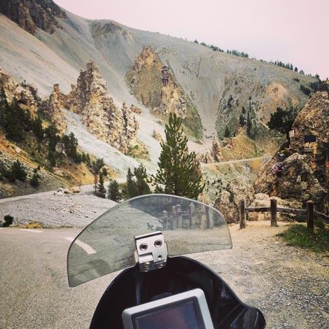route des grandes alpes in moto