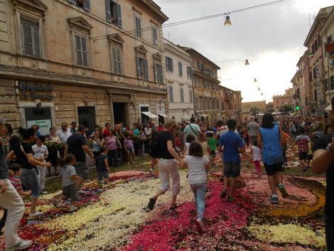 infiorata genzano romano