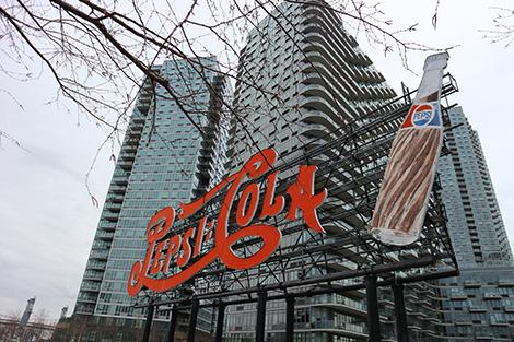 Pepsi-Coca Sign a Long Island City